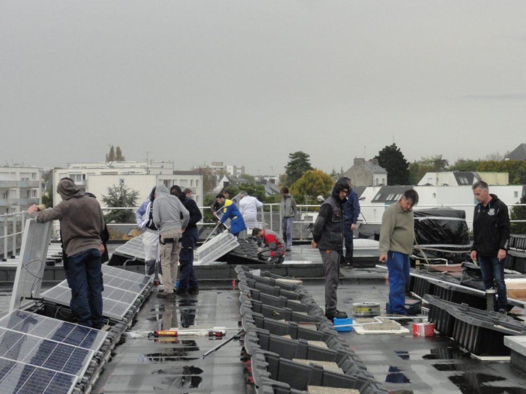 Des citoyen.nes sur le toit du CFA !